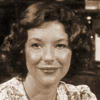 Doesn't Carol Drinkwater look a little like Evangeline Lilly? or vice versa?